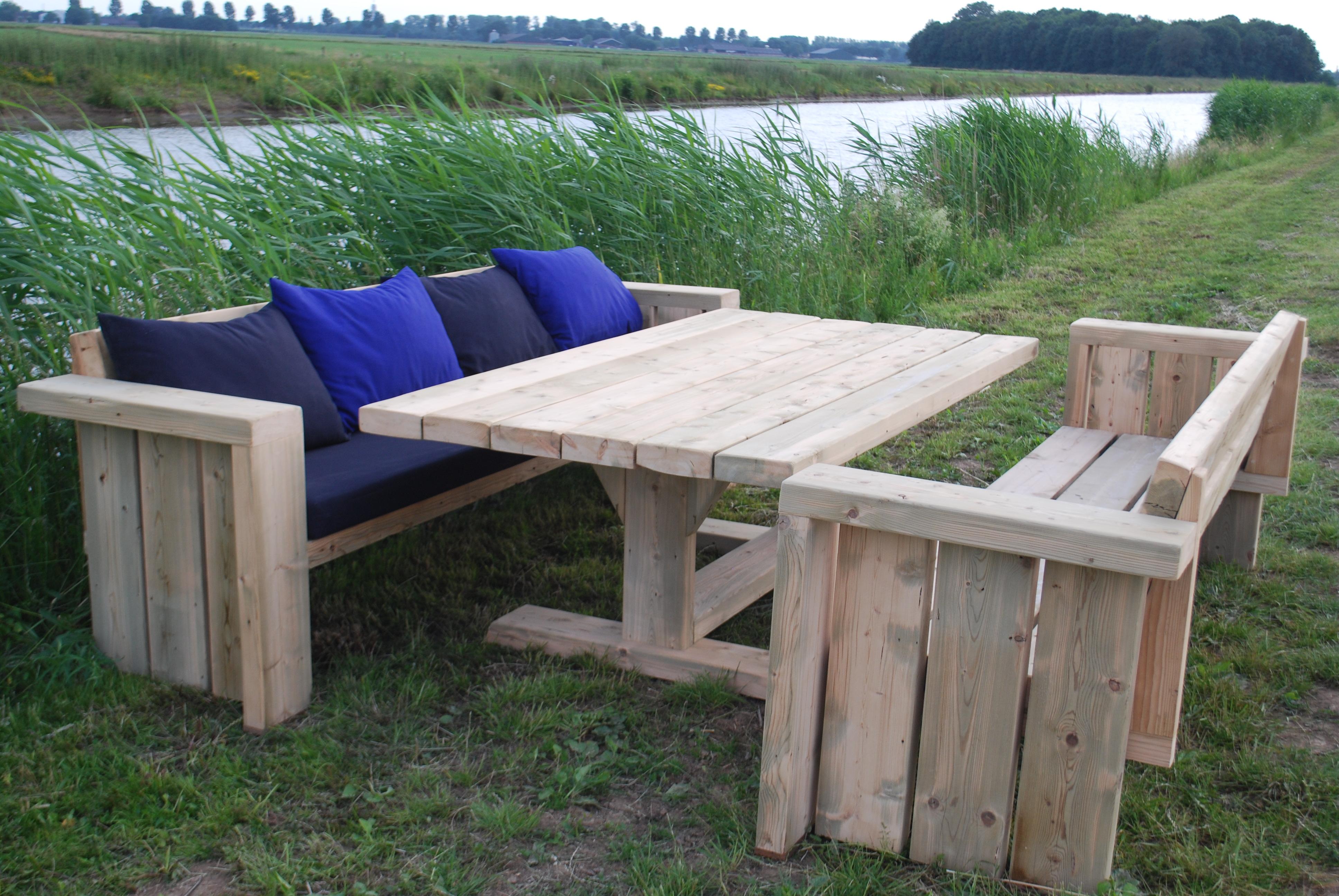 Houten tuinmeubelen kwebbeltafels - Tuin meubilair ...